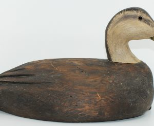 NICE BLACKDUCK CARVED BY JIM LAFFOLEY/ CANARD NOIS SCULPTÉ PAR JIM LAFFOLEY