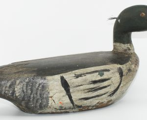 COMMON MERGANSER BY CLAUDE DESAULNIERS/ BEC-SCIE SCULPTÉ PAR CLAUDE DESAULNIERS
